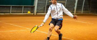 Giuliano Tonini sul court di Eurosporting Club Tennis